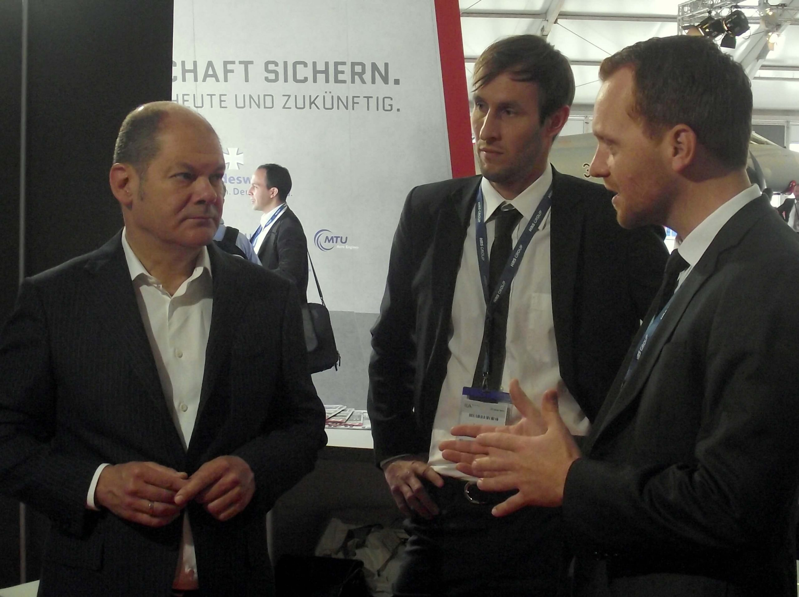 Olaf Scholz, Minister of Finance, meets Team DRONEII
